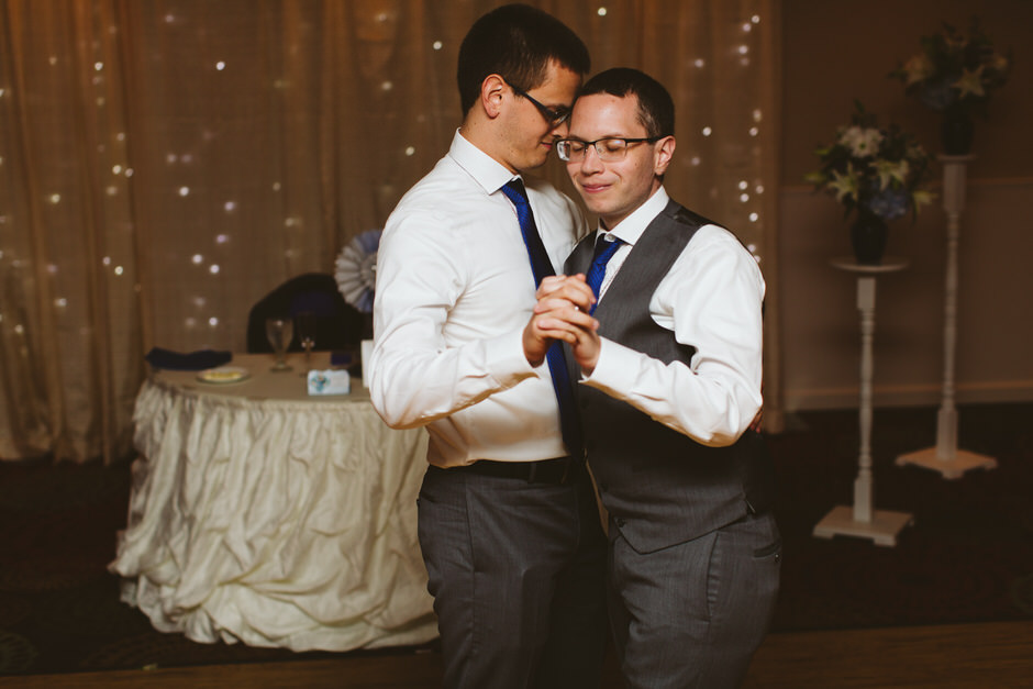 michigan-same-sex-wedding-photographer-28