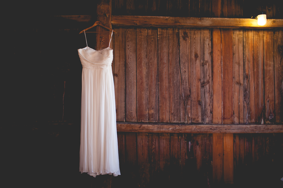 the_barn_in_new_era_wedding006