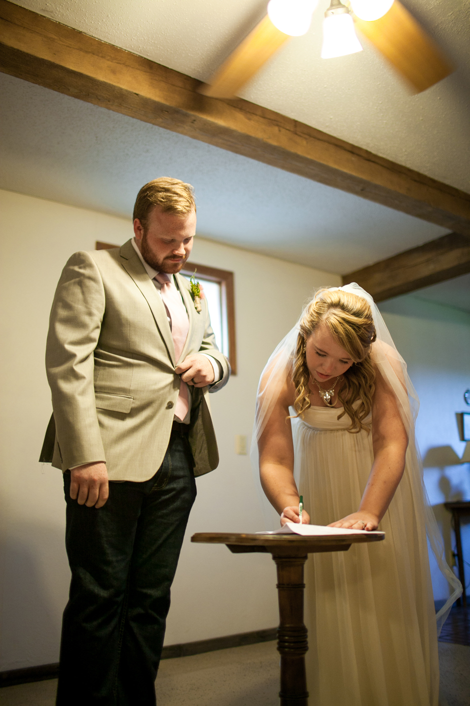 the_barn_in_new_era_wedding097