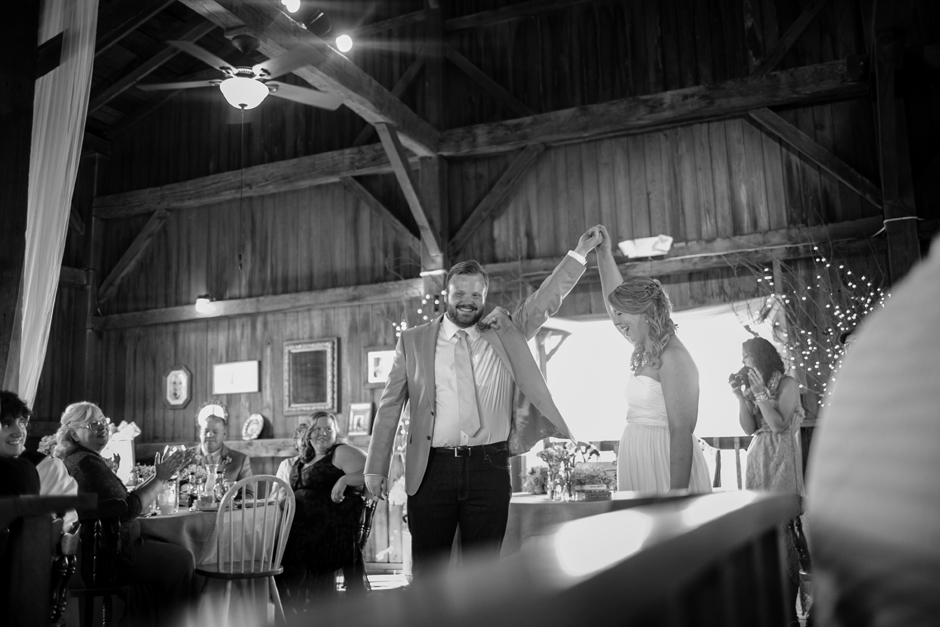 the_barn_in_new_era_wedding099