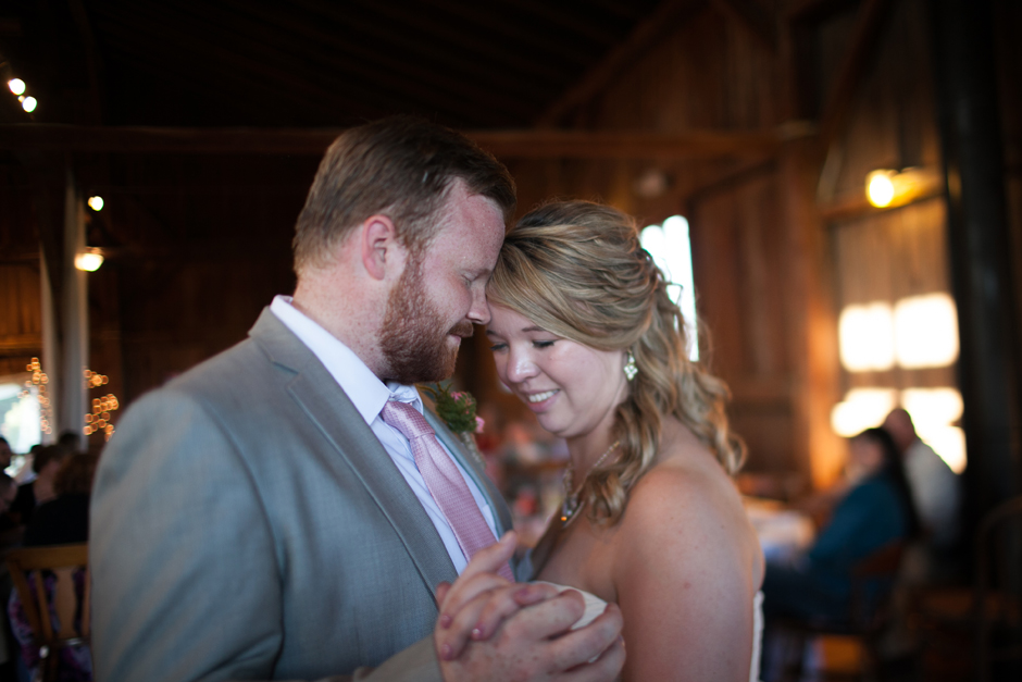 the_barn_in_new_era_wedding107