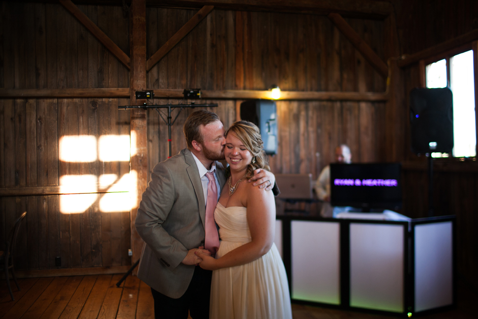 the_barn_in_new_era_wedding108