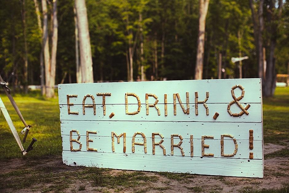 barefootwedding_hudsonvillemi_weddingphotographer002