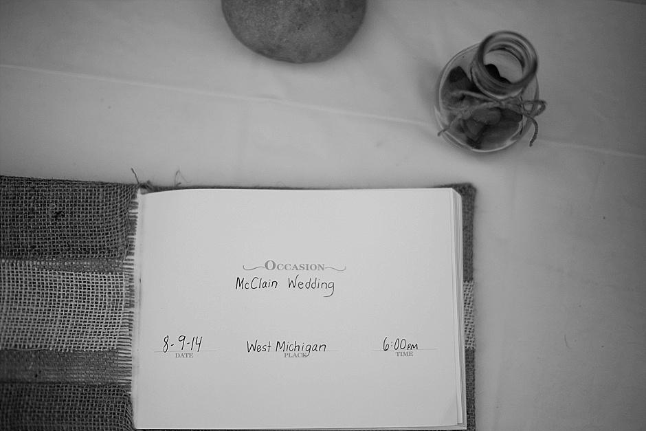 barefootwedding_hudsonvillemi_weddingphotographer004