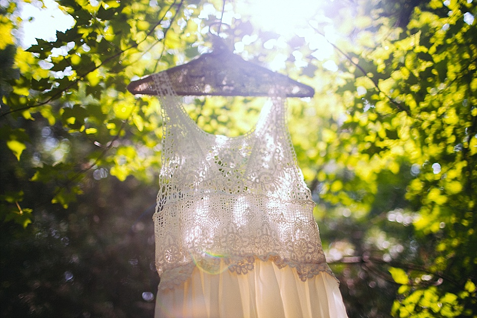 barefootwedding_hudsonvillemi_weddingphotographer021