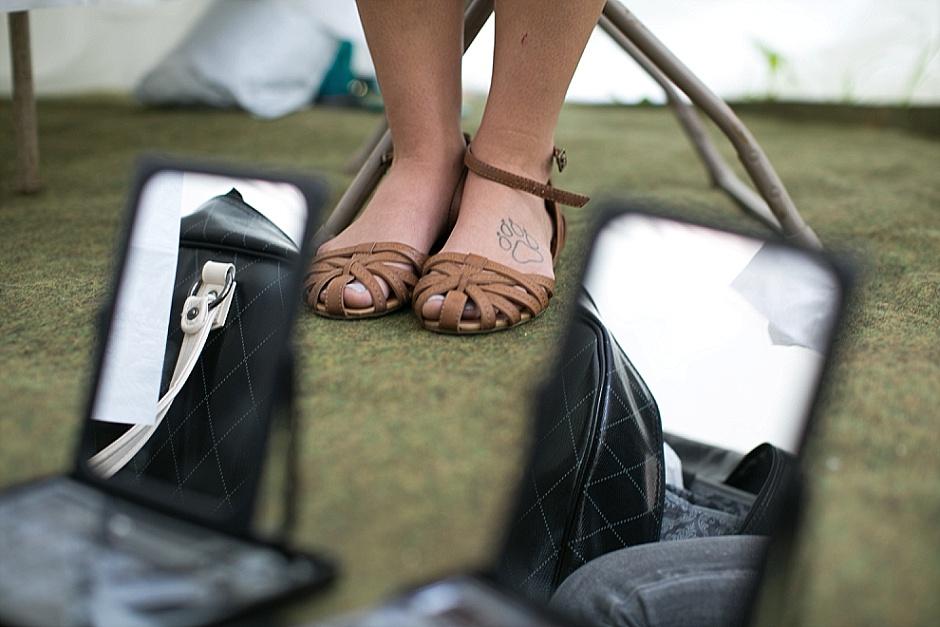 barefootwedding_hudsonvillemi_weddingphotographer025