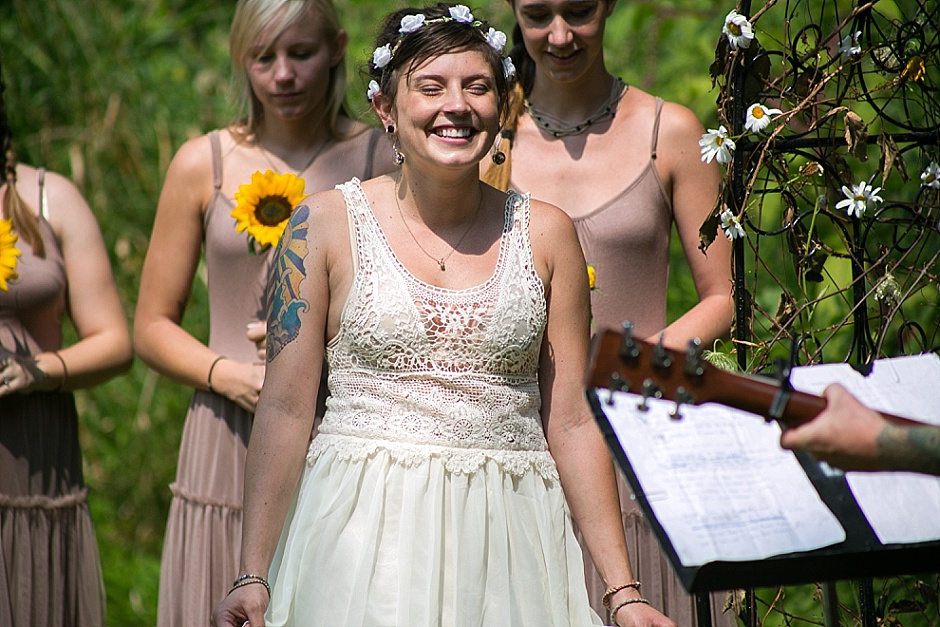 barefootwedding_hudsonvillemi_weddingphotographer071