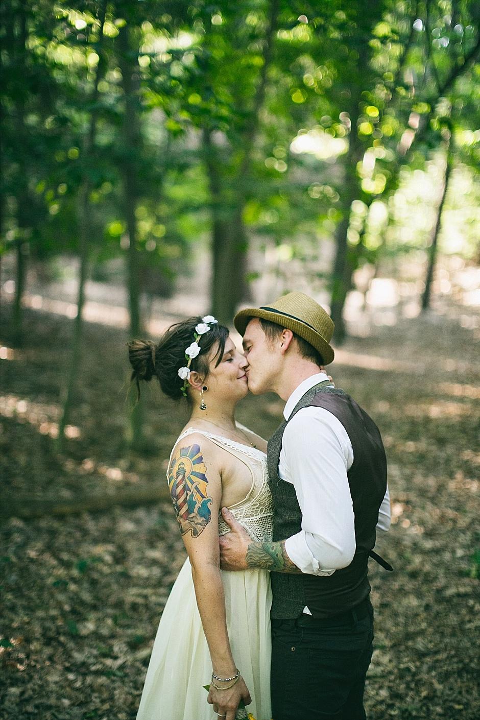 barefootwedding_hudsonvillemi_weddingphotographer099