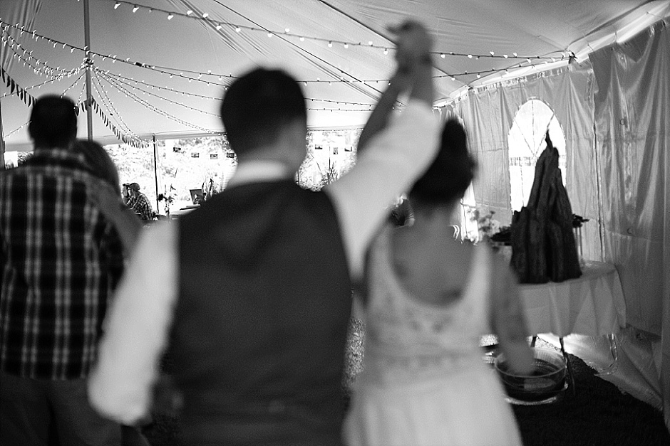 barefootwedding_hudsonvillemi_weddingphotographer123