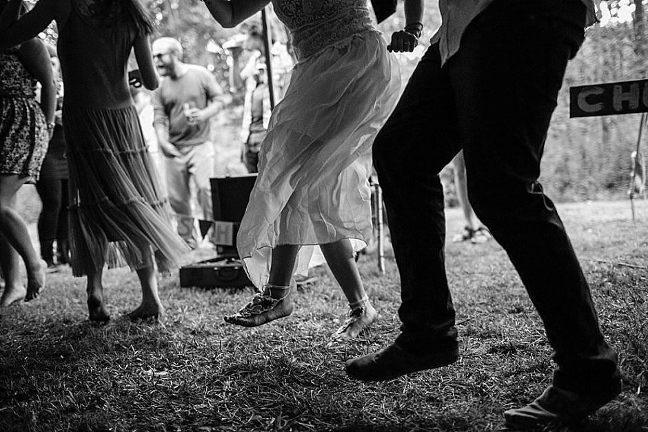 barefootwedding_hudsonvillemi_weddingphotographer131