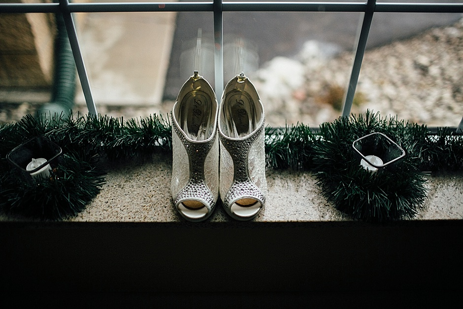 traversecityweddingphotographer_winterwedding008