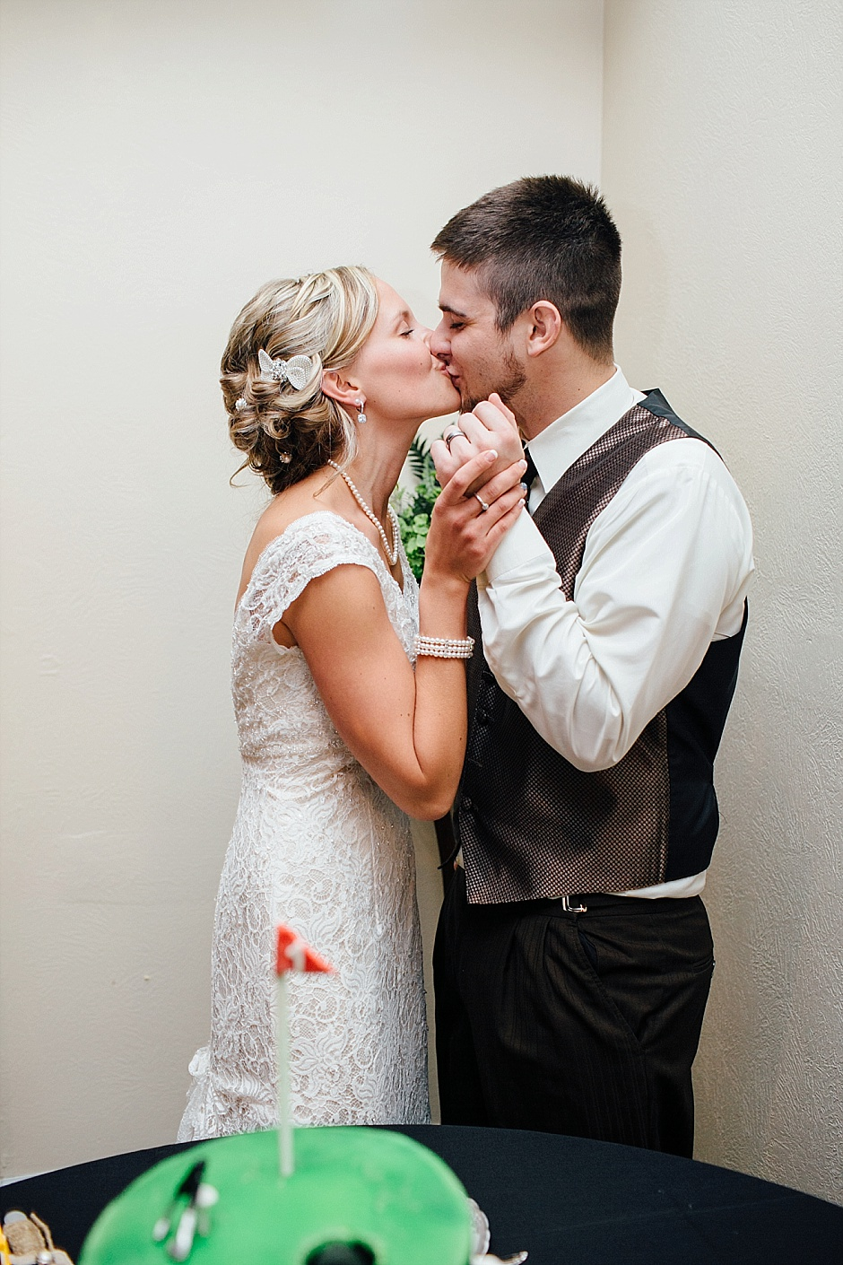 traversecityweddingphotographer_winterwedding084
