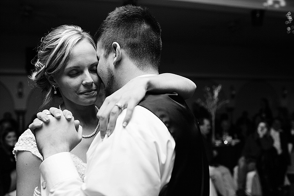 traversecityweddingphotographer_winterwedding087