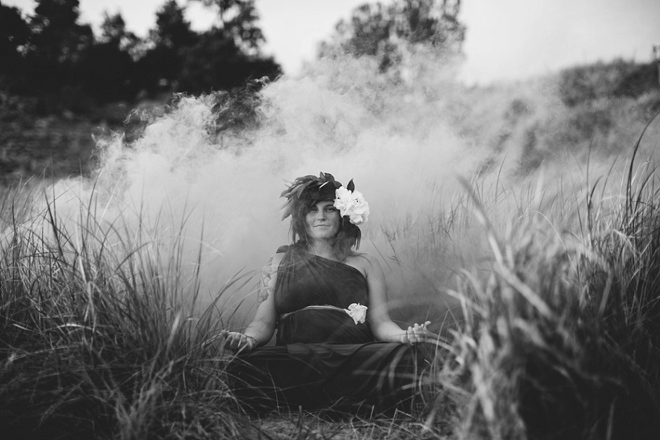 muskegon smoke bomb maternity photographer