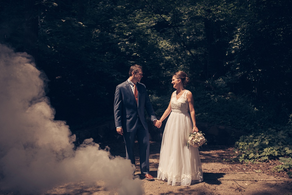 grand rapids wedding photographer smoke bombs